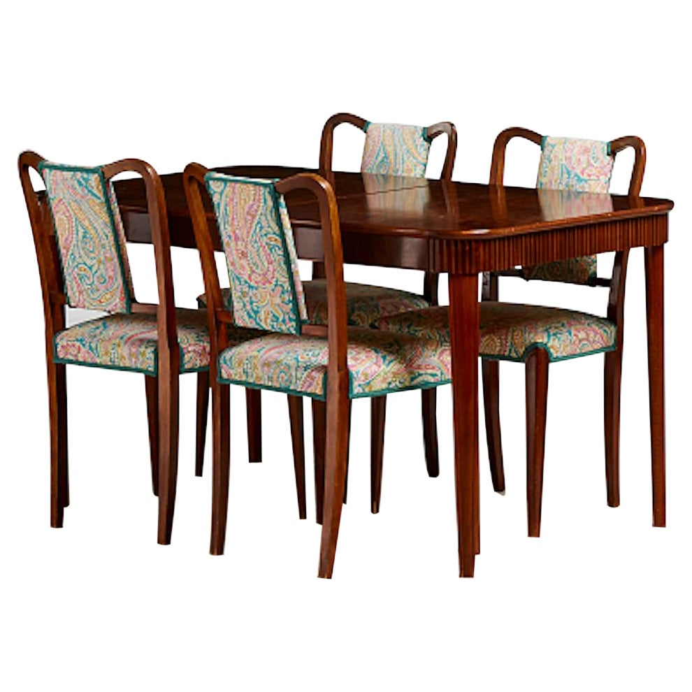 Lovely Dining Set, Four Chairs and a Dining Room Table