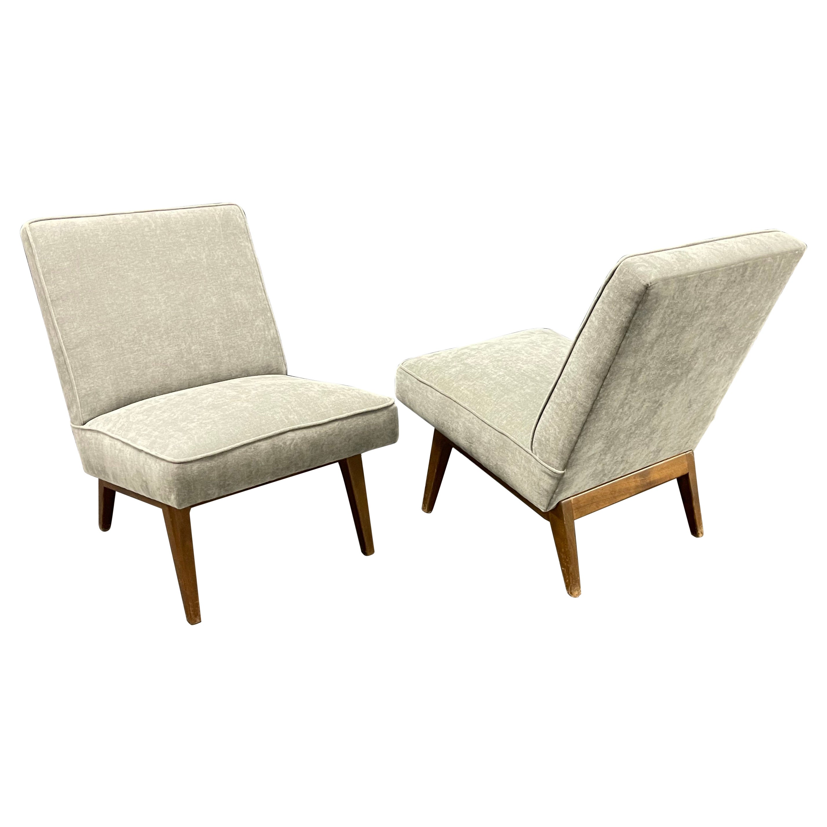 Rare Pair of Jens Risom Lounge Chairs