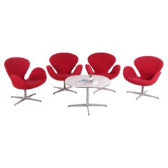 Set of 4 Arne Jacobsen Swan Chair with Table by Fritz Hansen