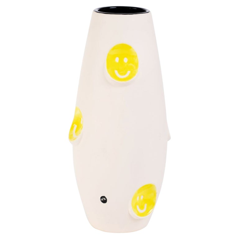 Oko Pop Ceramic Vase, Smiley by Malwina Konopacka For Sale