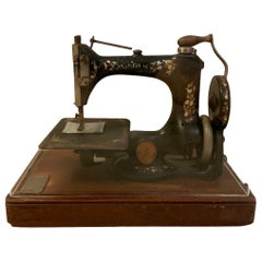 Portable Singer Manufacturing Co. Sewing Machine Model 24-61