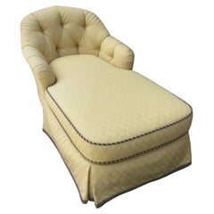 Romantic and Comfy Vintage Tufted Upholstered Chaise Longue