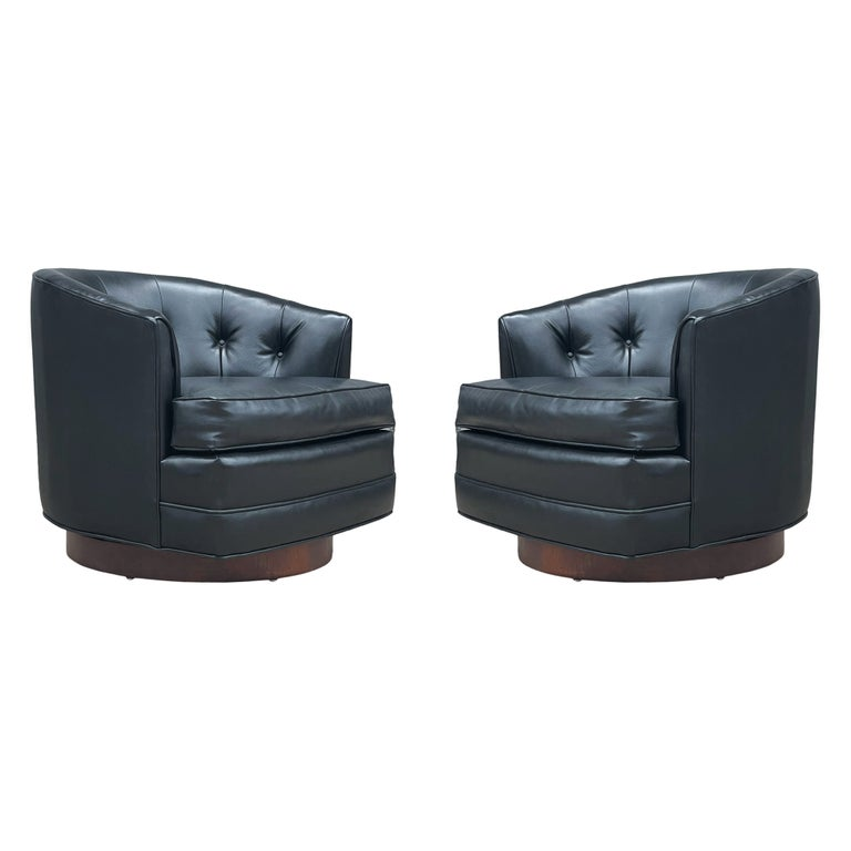 Mid-Century Modern Swivel Barrel Back Lounge Chairs or Club Chairs with Walnut For Sale