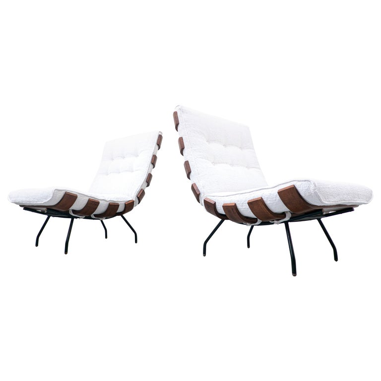 Pair of Mid-Century Costela Lounge Chairs by Carlo Hauner and Martin Eisler For Sale