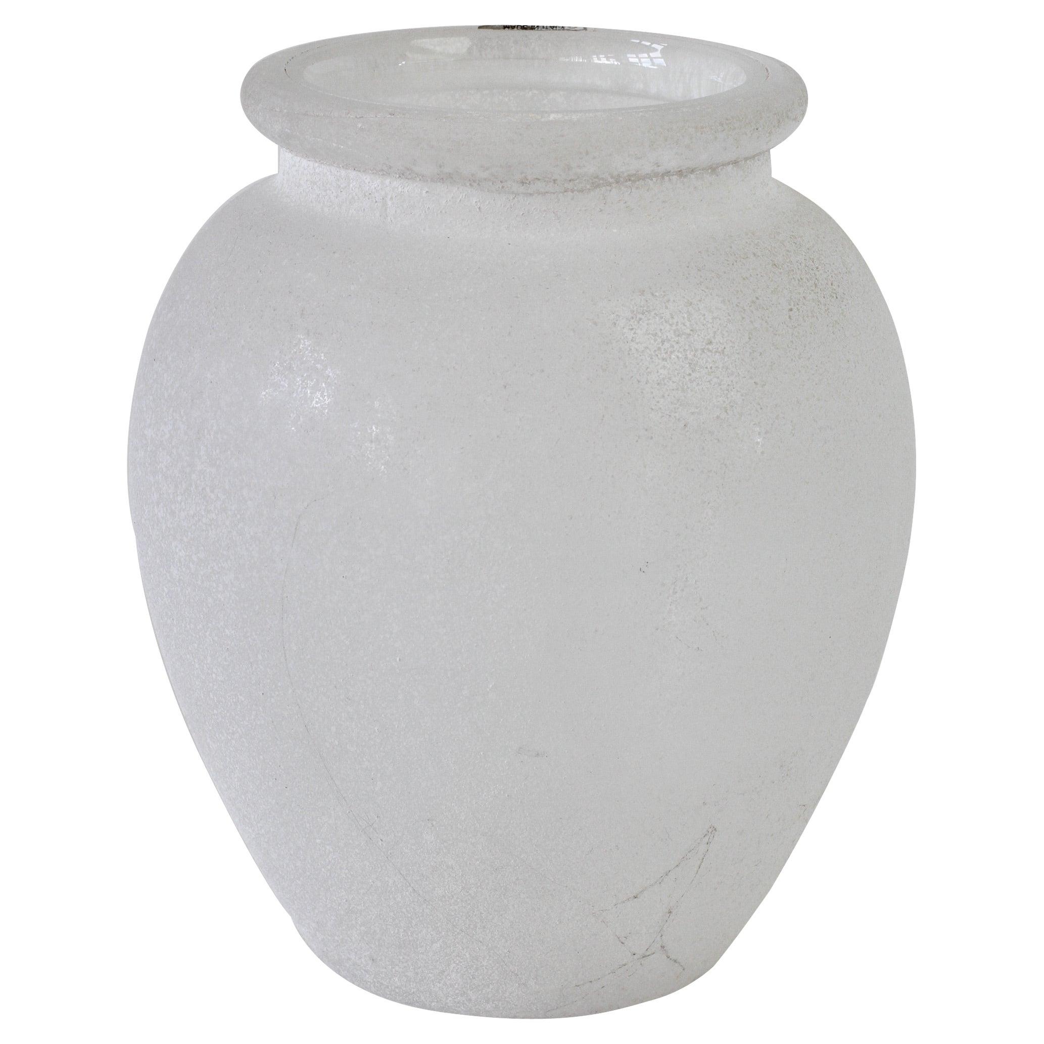 Seguso Vetri d'Arte Vintage Elegant White 'a Scavo' Murano Glass Vase Italy