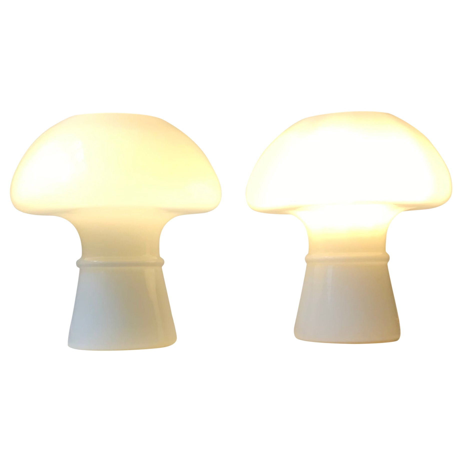 White Minimalist Murano Glass Mushroom Table Lamps, Italy 1970s