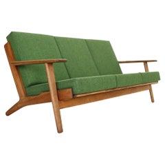 """Hans J. Wegner Oak & Green New Reupholstery 3-Seater Sofa """"GE290"""" 1960 Denmark"""