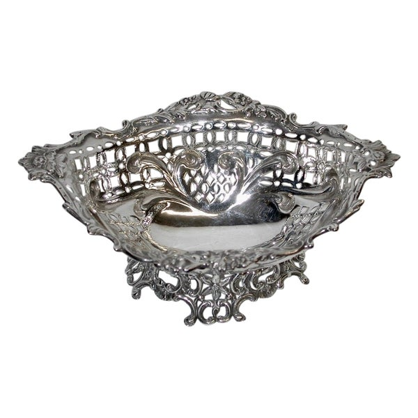 Victorian Silver Oval Sweet Dish, William Comyns, London Assay, 1889
