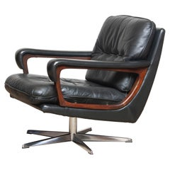 1960s Dark Green Leather Teak and Chrome Swivel Chair by André Vandenbeuck