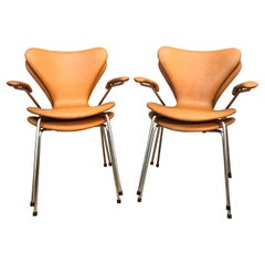 4 Iconic Vintage Arne Jacobsen for Fritz Hansen Chairs 3107/3207 in Leather