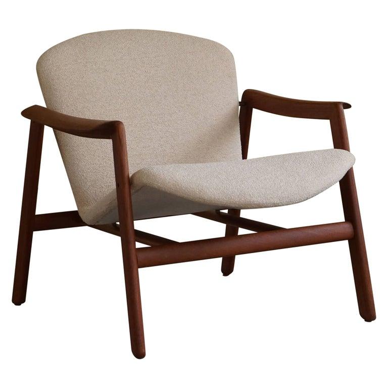 Mid Century Danish Lounge Chair in Teak and Bouclé, Finn Juhl Style, 1960s For Sale