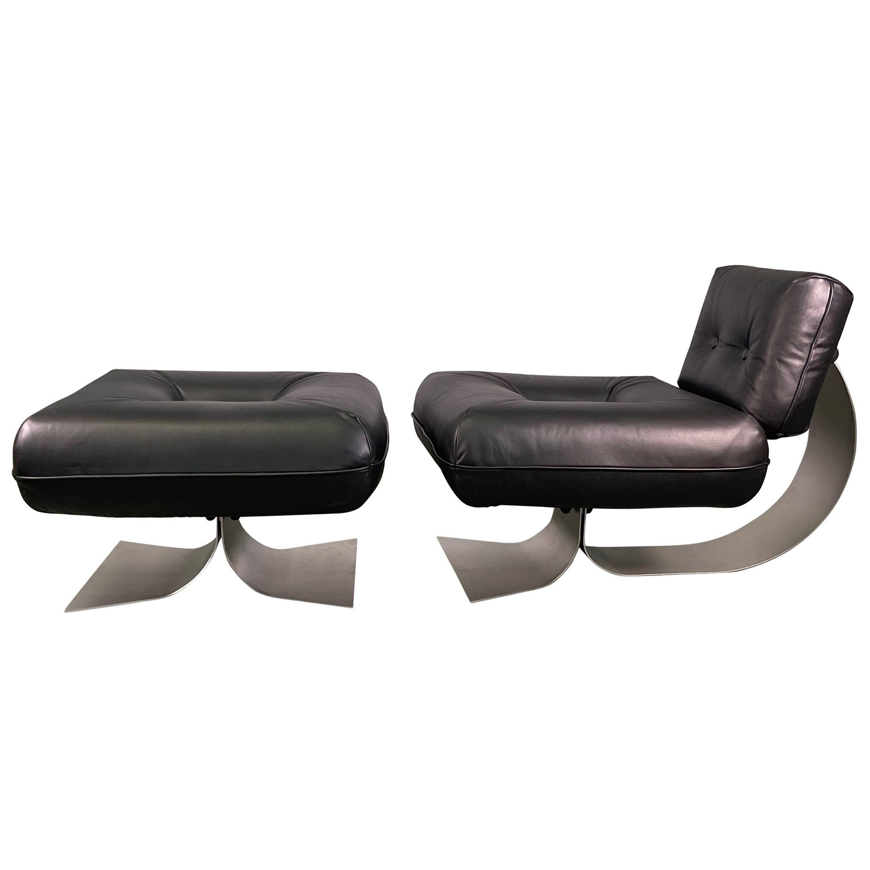 """Oscar Niemeyer Armchair and Ottoman Model """"Alta"""", circa 1975 Leather Black"""