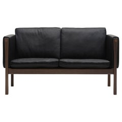 CH162 Sofa in Walnut Oil Frame with Leather Upholstery by Hans J. Wegner