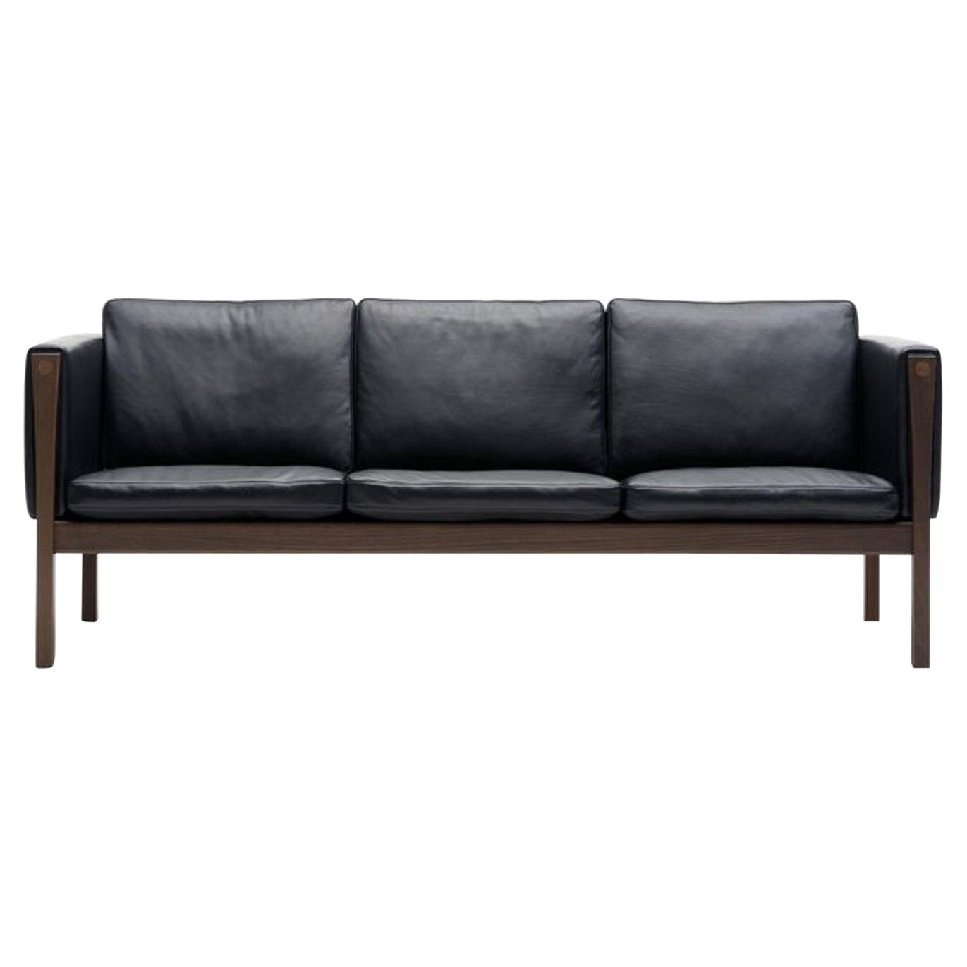 CH163 Sofa in Walnut Oil Frame with Sif 98 Leather Upholstery by Hans J. Wegner