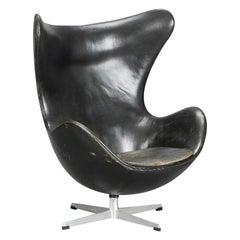 Arne Jacobsen Black Egg Chair by Fritz Hansen in Denmark