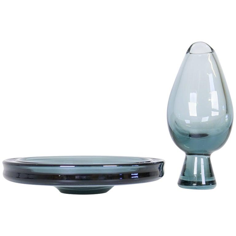 Midcentury Set of 2 Art Glass Vessels by Vicke Lindstrand for Kosta Sweden For Sale