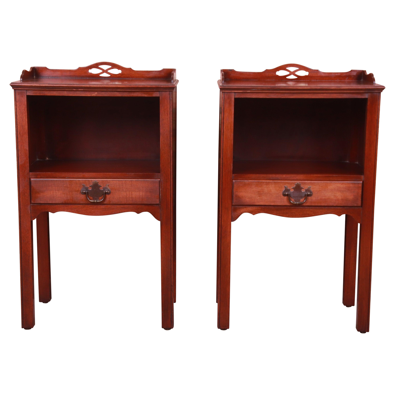 Kindel Furniture American Colonial Mahogany Nightstands, Pair