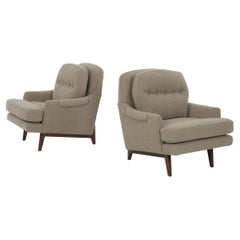 Edward Wormley for Dunbar Pair of Lounges Chairs in Knoll Boucle