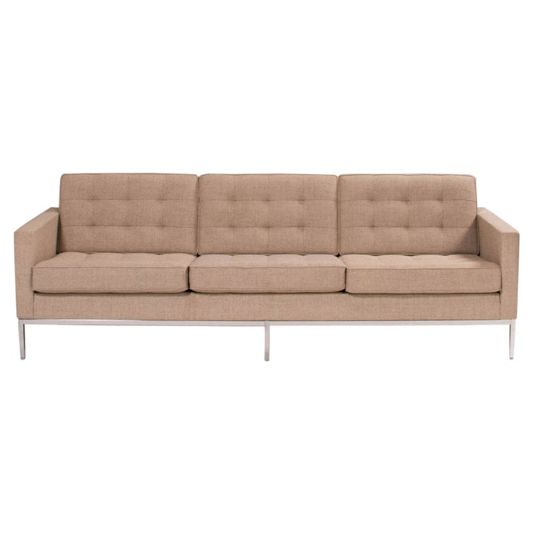 Florence Knoll for Knoll Beige Fabric Relaxed Three Seater Sofa For Sale