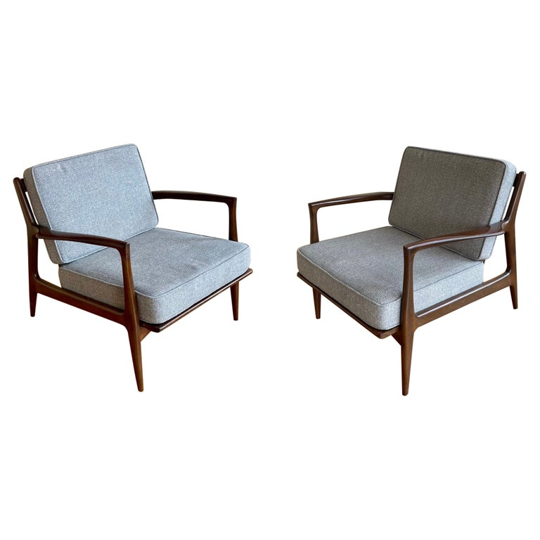 Pair of Danish Modern Lounge Chairs by Ib Kofod-Larsen for Selig For Sale