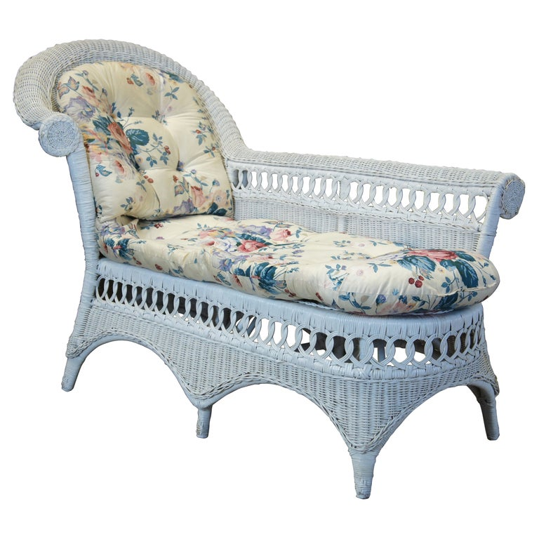 Vintage White American Wicker Rattan Chaise Lounge Chair Rolled Arm Boho Chic For Sale