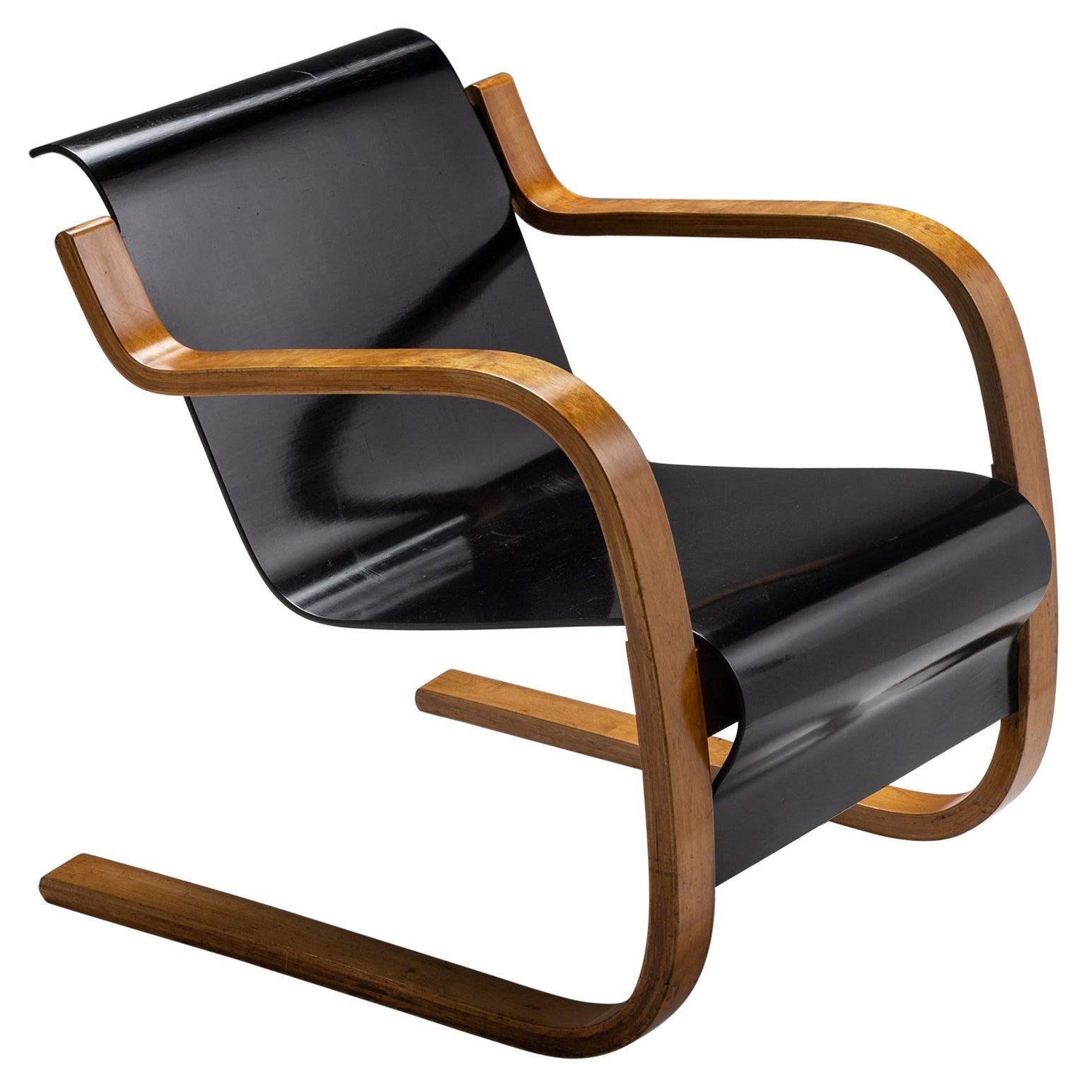 Alvar Aalto Lounge Chair Model 31/42, Finland, Circa 1935