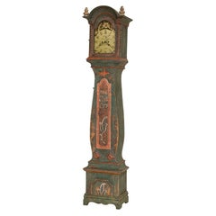 Graceful Curves of This Tall Grandfather Clock Are What Define the Famous Mo