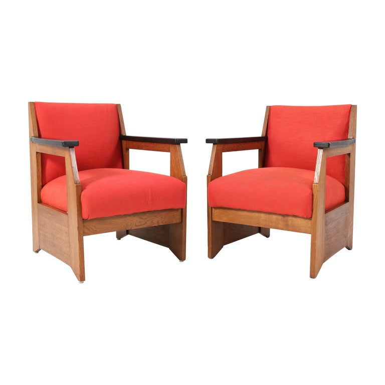 Two Oak Art Deco Haagse School Lounge Chairs by Hendrik Wouda for Pander, 1924 For Sale