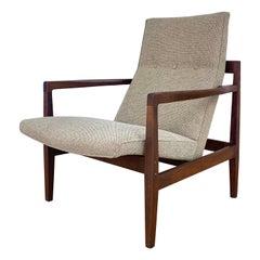 Jens Risom U440 Lounge Chair in Walnut