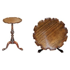 Very Fine Gillows of Lancaster Antique Hardwood Pie Crust Claw & Ball End Table