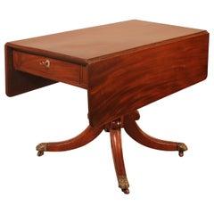 Early 19th Century Pembroke Table in Mahogany