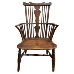 Small 18th Century English Comb Back Windsor Armchair Made of Elm, Ash & Walnut
