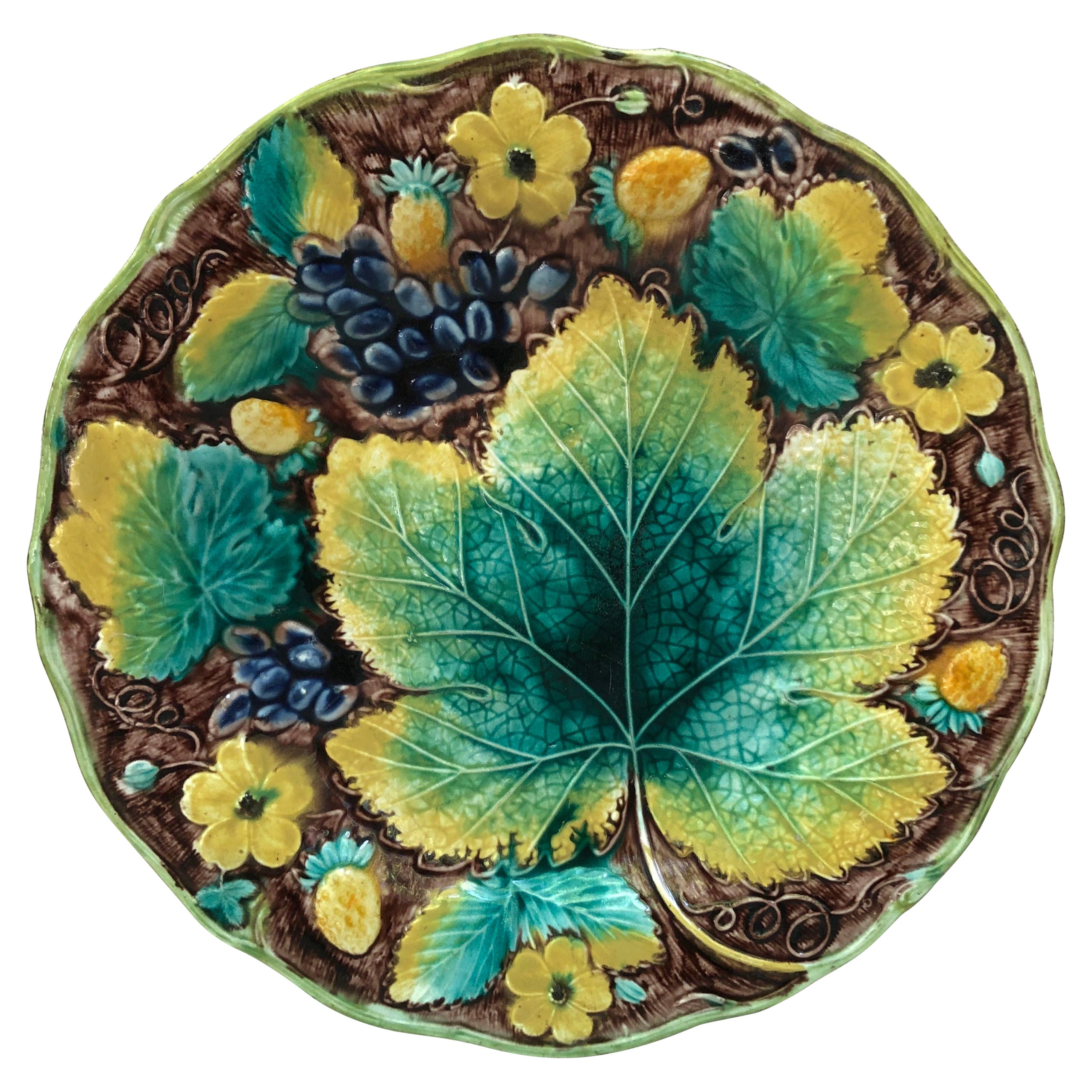 English Majolica Grapes Plate Samuel Alcock Circa 1850