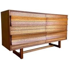 Paul Laszlo for Brown Saltman Mid-Century Modern Mahogany Dresser