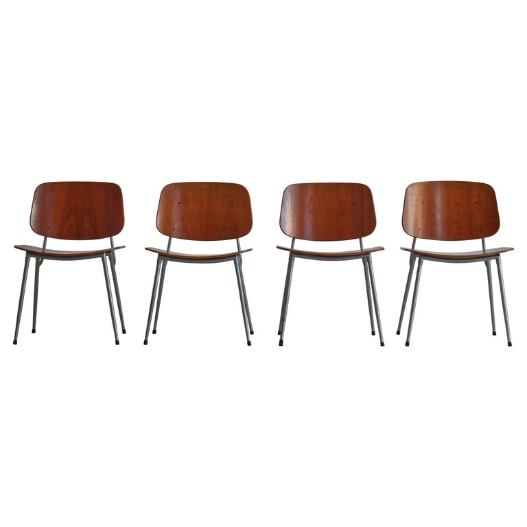 Danish Modern Børge Mogensen Dining Chairs in Steel and Plywood, 1953 For Sale