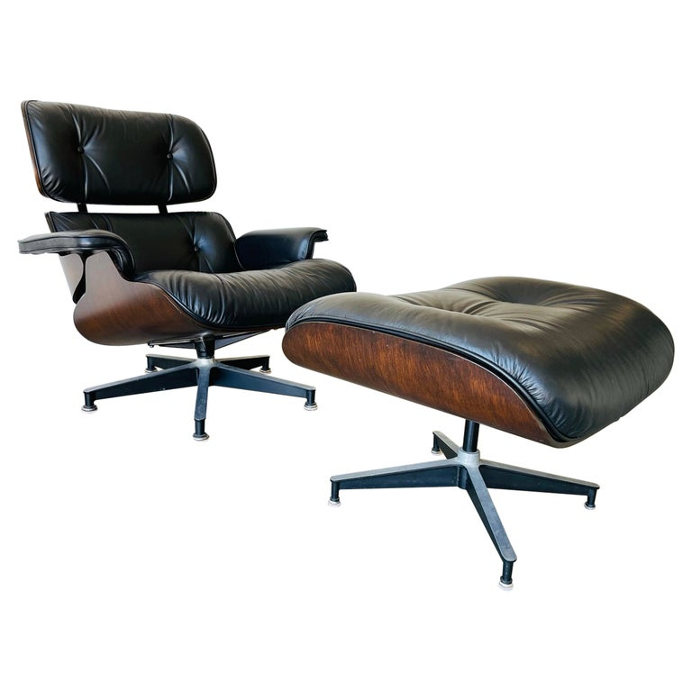 1970s Herman Miller Eames Lounge Chair and Ottoman For Sale