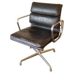 Original Herman Miller Eames Soft Pad Management Side Chair Black Leather, 1970s