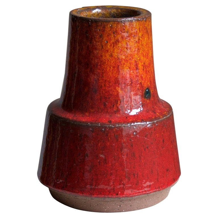 Michael Andersen, Vase, Red / Orange Glazed Stoneware, Bornholm, Denmark, 1960s For Sale