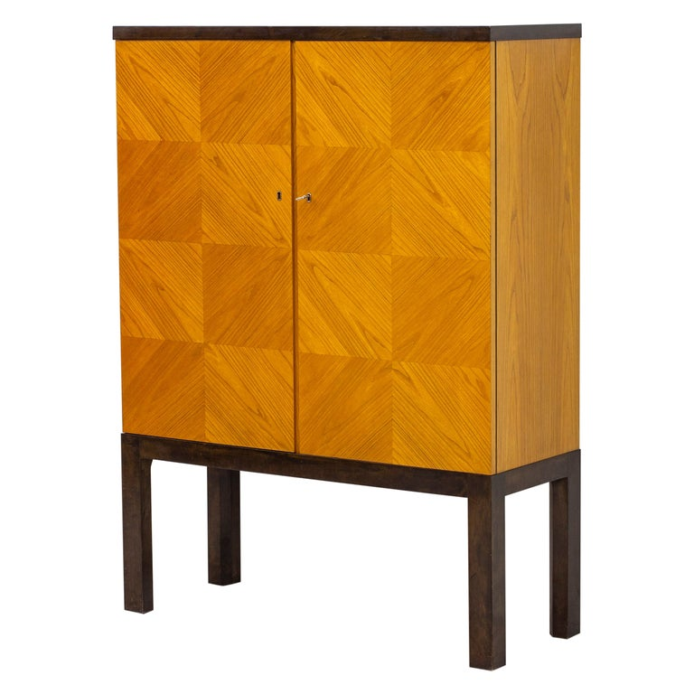 Art Deco/ Modernist Cabinet in the Style of Otto Schulz, Sweden, 1930s For Sale