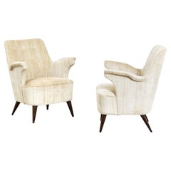 20th Century Nino Zoncada Pair of Armchairs in Wooden and Fabric Upholstery