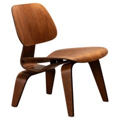 Charles & Ray Eames Early LCW Oak Lounge Chair for Herman Miller