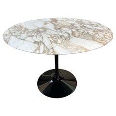 Tulip Round Table, Eero Saarinen Knoll, 2020
