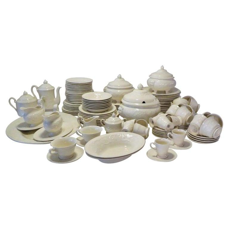 Wedgwood Fine Bone China Dinnerware Patrician Pattern England 165pcs For Sale