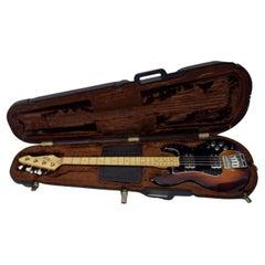 Peavey T 40 Bass Guitar with Original Hard Case