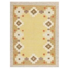 Scandinavian Swedish Kilim Carpet. Size: 5 ft 6 in x 7 ft 4 in (1.68 m x 2.24 m)