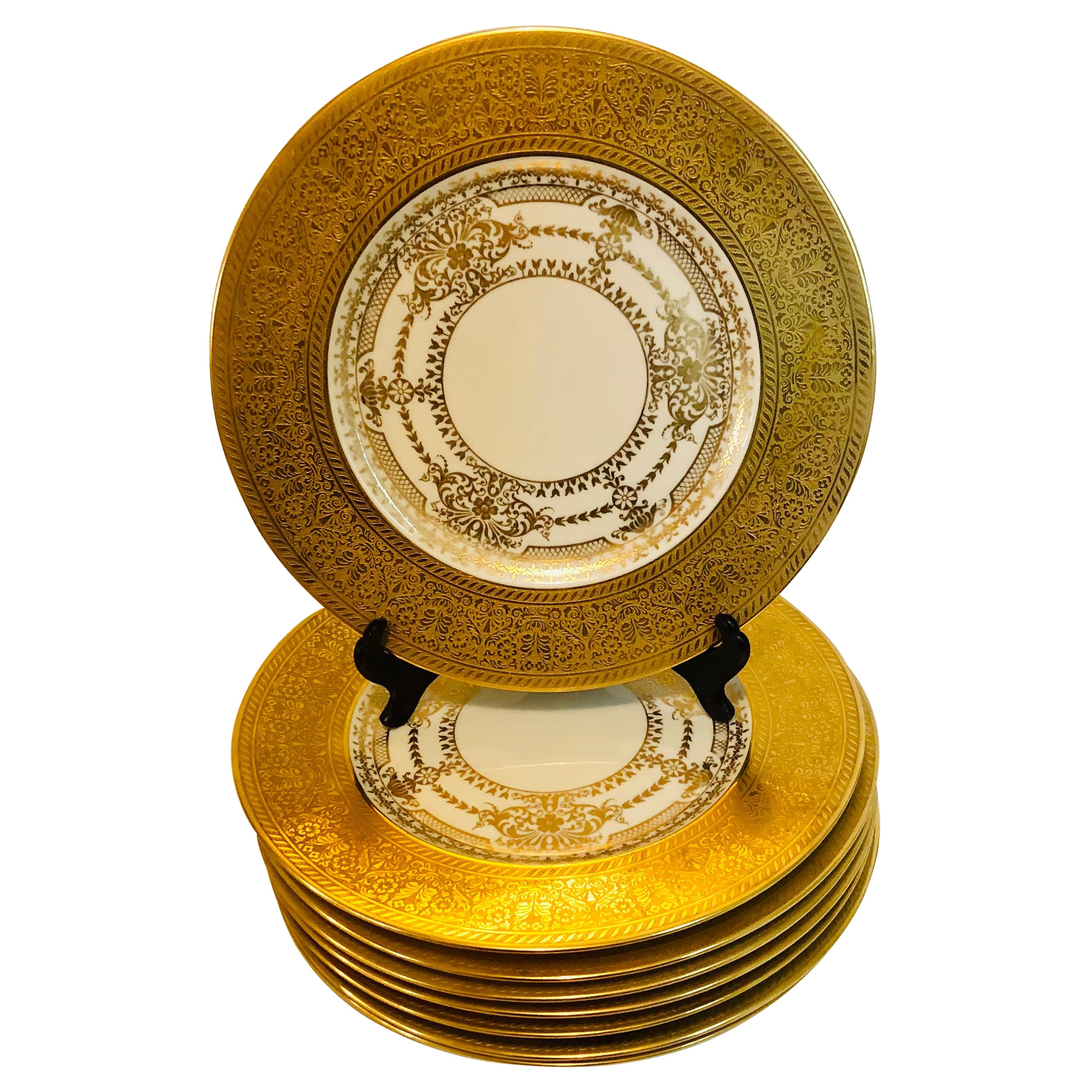 Set of 8 Bavarian Service Plates with Thick Border of Gold Embossed Decoration