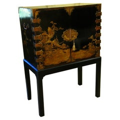 English 19th Century Japanned Chinoiserie Decorated Black Lacquered Cabinet