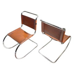 Pair of Ludwig Mies van der Rohe, Mr10 Cantilever Chairs in Leather, for Thonet