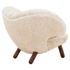 Finn Juhl Pelican Chair Skandilock Sheep Moonlight and Wood