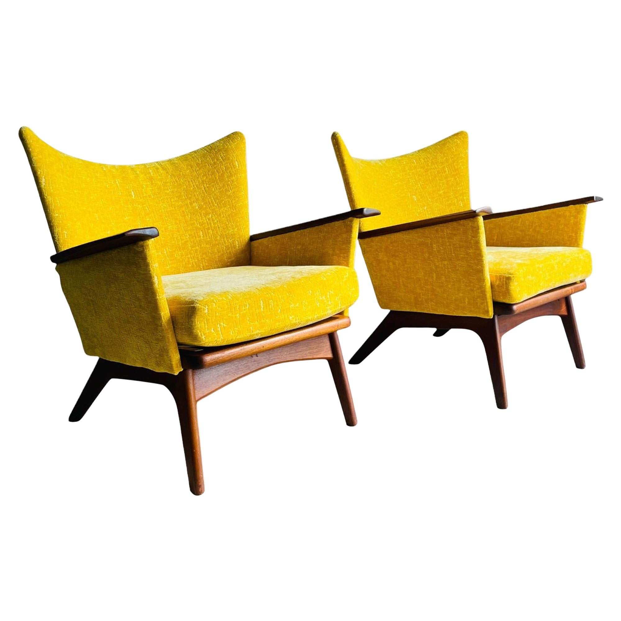 Pair of Mid-Century Modern Wingback Lounge Chairs